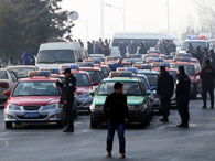 沈阳千台出租车集体罢运:对滴滴快的专车不满