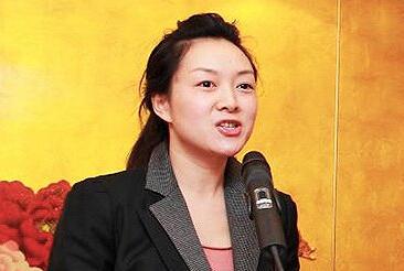 杨卫泽的80后红颜知己被带走调查 传2人育有1女