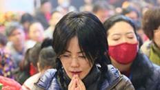 王菲赴印度佛教聖地菩提迦耶參加法會祈福