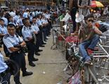 """谁把香港警察""""政治化""""?"""