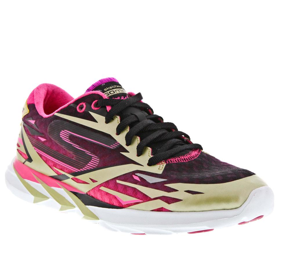 世界四大名跑鞋_了世界级跑手meb keflezighi于2014年波士顿马拉松里夺冠的御用跑鞋
