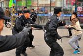 济南特警反恐演练保春运