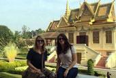 美国两女子在吴哥窟拍不雅照被捕