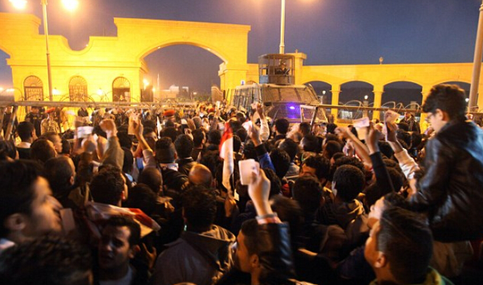 埃及爆发足球骚乱 已造成至少22人死亡