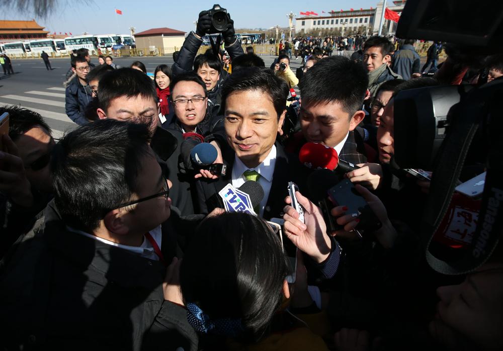 图:李彦宏称百度正研发智能汽车将与汽车厂商合作并于年...