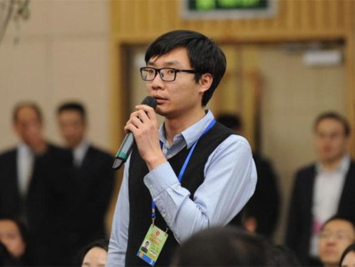 大公报、大公网记者贾磊就民族政策现场提问