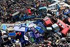 """杭州现""""电摩坟场"""" 车辆堆积如山"""