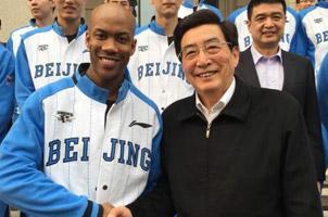 马布里入中国籍地位将超姚刘李