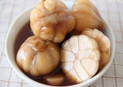 生髮季節醃漬食小蒜 濃郁味道品馨香