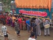 深圳弘法寺 尼泊爾中華寺救援物資到達地震重災區