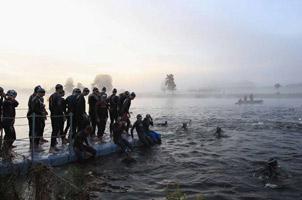 泰晤士河的野泳者