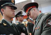 帅气的中国仪仗兵获授勋章