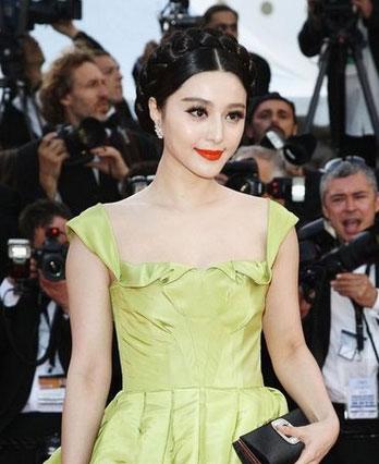 一年一度的戛纳电影节又如约而至,而普通大众关心的话题永远是,红毯王源参加戛纳电影节红毯图片