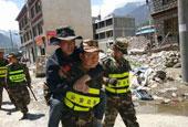 尼泊尔7.5级地震西藏吉隆震感明显 边防官兵排查灾情