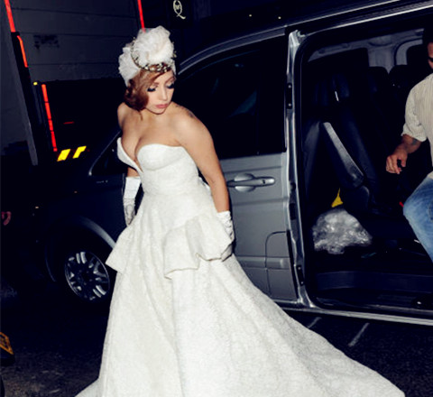 全球最逼格婚纱草图 新娘原来是 Lady GaGa!