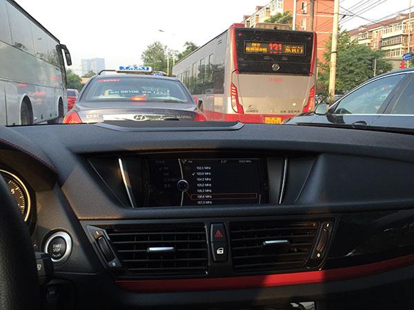 驾驶x1不赶路 改变开宝马的一贯印象_大公汽车_大公网