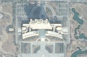 一座比18个足球场还大的政府大楼