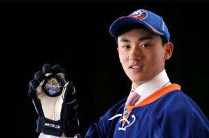 他是中国冰球界的大郅