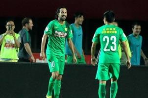 中超-国安1-0建业继续领跑 德扬头球一锤定音