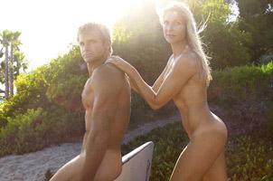 高龄运动员夫妻全裸登ESPN