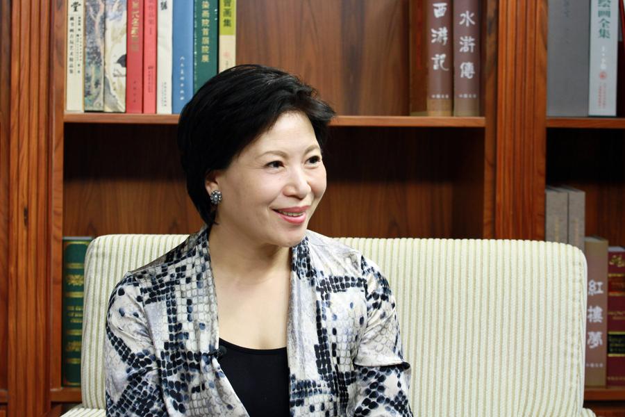 7月8日,申办2022年冬奥会新闻宣传部部长、北京冬奥申委副秘书长王惠接受大公网采访。大公网 张文杰摄