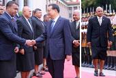 斐濟領導人穿裙裝訪華