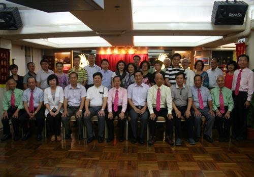 香港中山侨商会捐款助乡发展