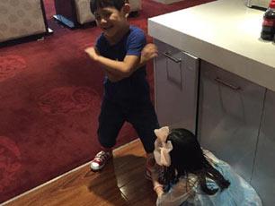 《爸爸3》夏天自曝最想见诺一 贴心帮其系鞋带(图)