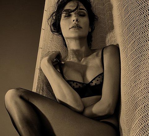 黑色性感誘惑 Bra與絲襪的完美交融