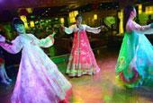 呼和浩特一餐厅聘请朝鲜姑娘表演歌舞