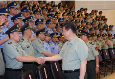 北京观察:铁拳打军虎 实战化练兵