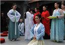 山东聊城古琴女学员演绎周代成人礼