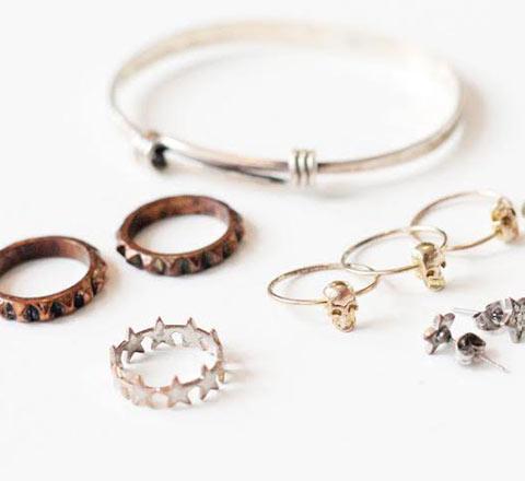 【实用贴】珠宝就要够闪亮 1分钟让脏污珠宝恢复原样