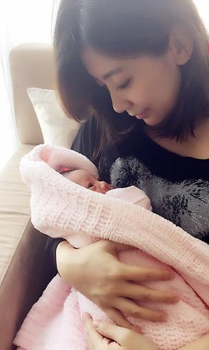 又一女神生了!41岁贾静雯剖腹产女 已与小男友登记
