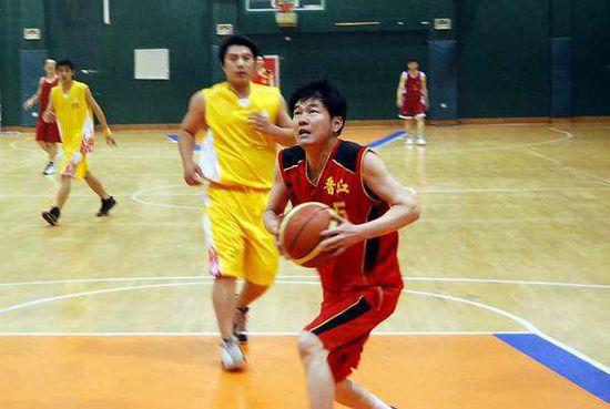 福州市长打篮球连砍50+
