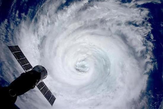 日本宇航员太空拍摄