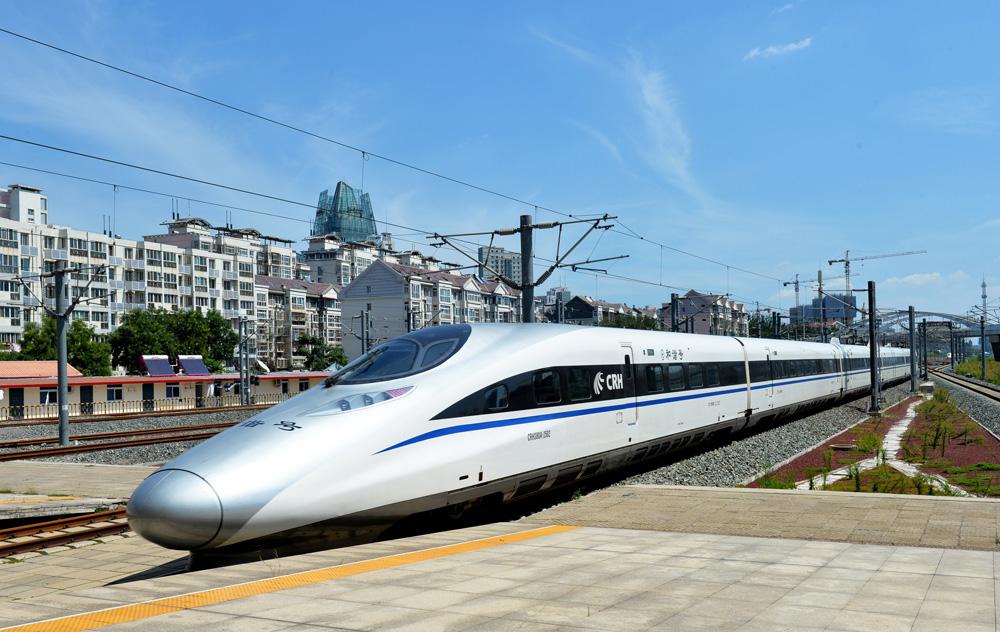 直达昆明,向南则通向马来西亚和新加坡,或将构成泛亚铁路规划的重要