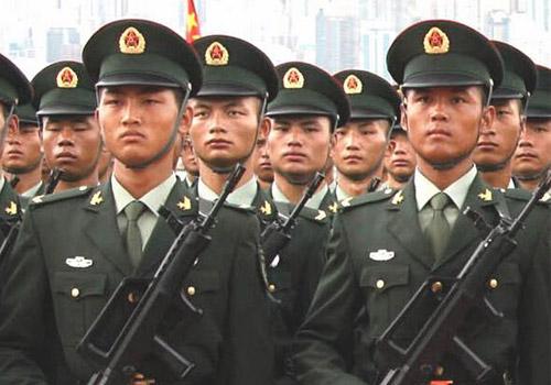 """外媒:解放军临30年""""最大调整"""" 实施军官职业化"""