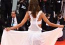 直擊威尼斯紅毯:超模透視裝起舞吸睛
