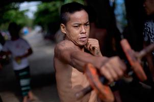 缅甸穷人的拳击:25美分一场