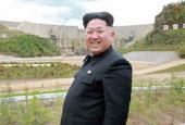 金正恩造訪白頭山發電站 微笑作現場指導