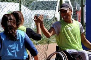 西藏轮椅篮球队:快乐就是我的双脚