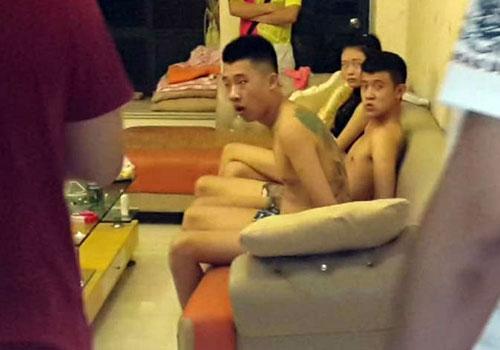 珠海与澳门警方交接卖淫团伙画面