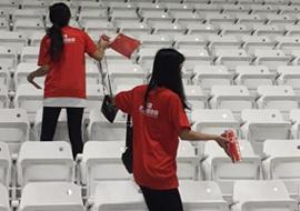 中國球迷賽後帶走垃圾 卡塔爾球迷:他們沒輸
