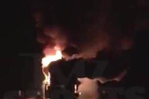 炫富惹祸!梅威瑟4豪车遭纵火烧毁 损失1500万