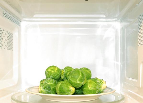 微波烹饪食物营养流失最少!一口气打破烹饪5大误区