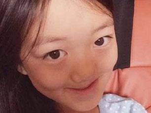 窦靖童被讽丑 李嫣护姐呛网友:请先盖住你脸上的痣