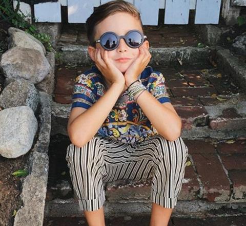 7歲小潮男走紅 投對胎還得有個時尚ICON的媽