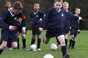 探秘英国校园足球:英足总和俱乐部派人培训,课程免费