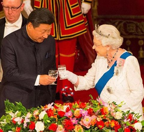 礼仪风度满分 习大大配得起英女王准备一年的国宴